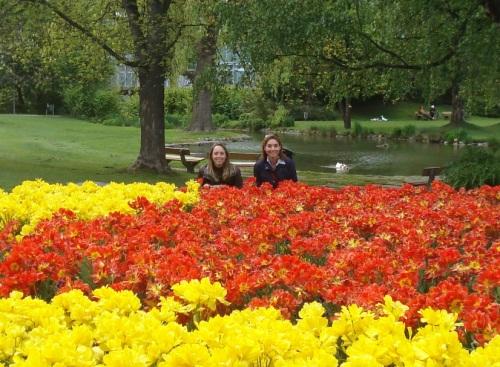 Camila e Mãe - Jardim Austriaco - Maio de 2010